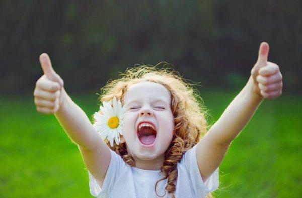 4 aplicaciones moviles que cuidan de tu salud niña