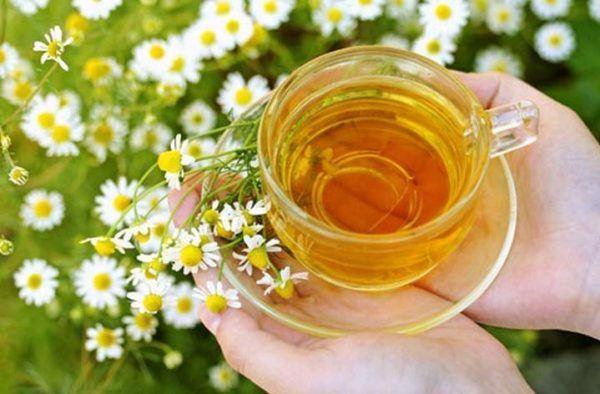 Cómo-curar-las-anginas-remedios-manzanilla