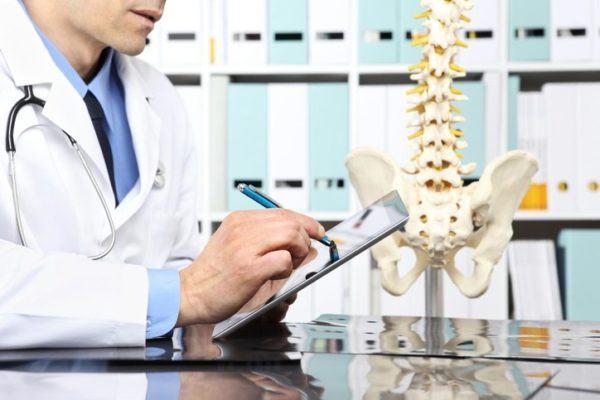 Hernia inguinal Causas síntomas y tratamiento