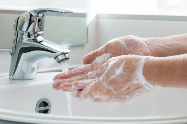 Tratamiento para la candidiasis prevenir lavandose las manos