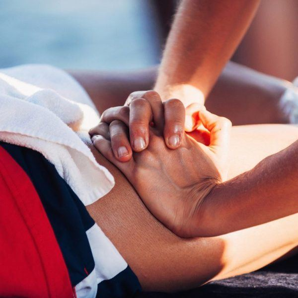 Auto masaje aductores deportista