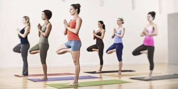 beneficios-del-yoga-y-posturas-para-principiantes