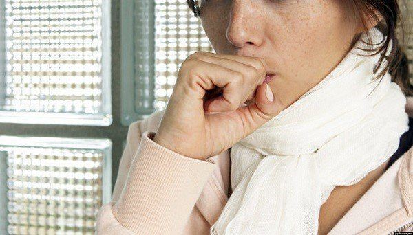 Chica Con Un Fuerte Resfriado Fotos, Retratos,