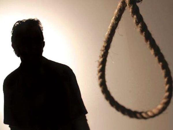 como-muere-un-ahorcado-suicidios