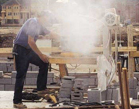 dry-cutting-stone-causes-dangerous-dust-particles