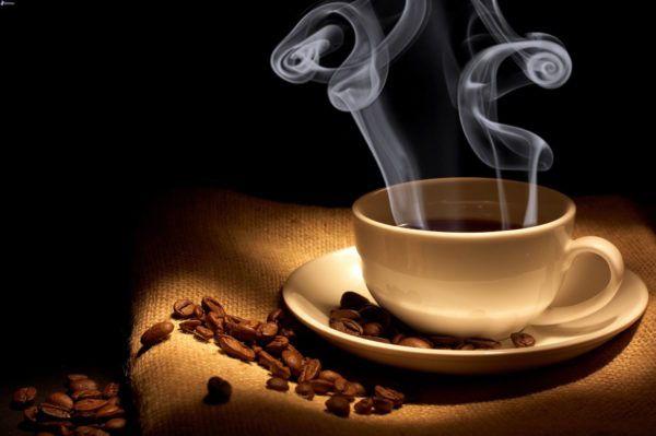 el-cafe-es-bueno-para-el-higado-y-para-la-piel-taza