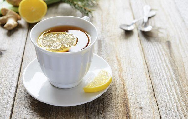 Tea with lemon slice