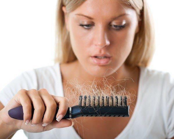 Cómo usar Minoxidil contra la caída del pelo y efectos secundarios