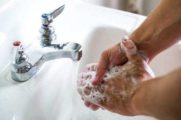 lavando manos