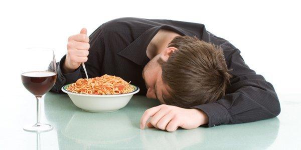 los-efectos-de-la-comida-y-la-bebida-en-el-sueno-comida-para-dormir