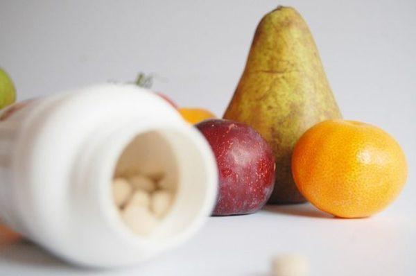 nolotil-para-que-sirve-pastillas-blancas-fruta