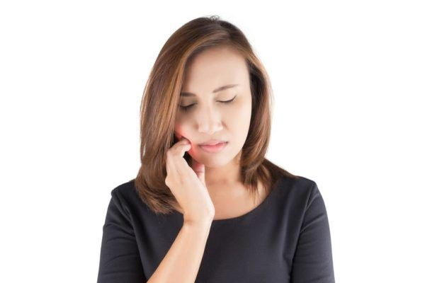 Sintomas del bruxismo molestia al masticar