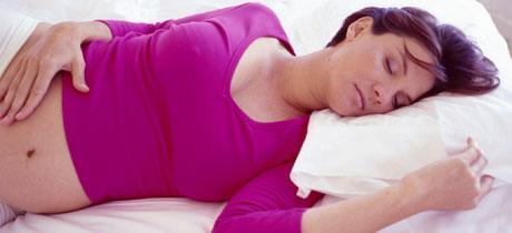 sintomas-del-embarazo-adormecimiento-y-cansancio