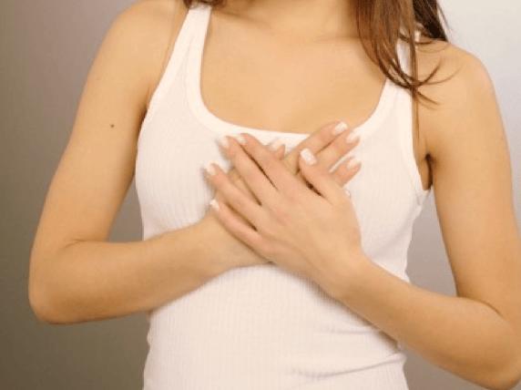 sintomas-del-embarazo-aumento-y-sensabilización-del-pecho