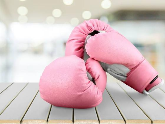tamoxifeno-en-cancer-de-mama-guantes