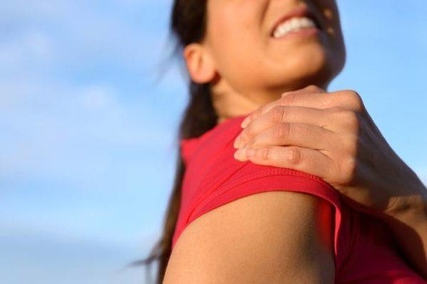 Tendinitis de hombro chica joven