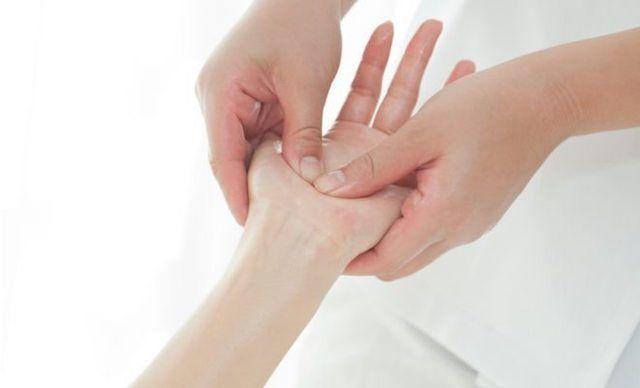 tratamientos-para-curar-dedo-en-gatillo