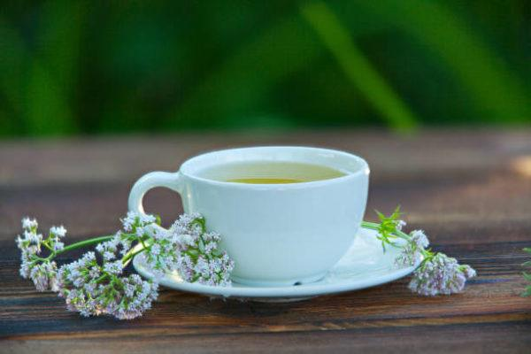 Valeriana beneficios efectos secundarios
